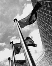 """""""Non siamo nell'euro per il talento di Carlo Azeglio Ciampi, ma per il ricatto  della Francia di Francois Mitterand. Fu lui a obbligare la Germania di Helmut Kohl alla moneta unica, in cambio della riunificazione"""""""