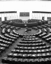 """""""Bisogna porsi il problema della democraticità delle istituzioni. I popoli europei, finora, non sembrano affatto entusiasti del processo di costruzione dell'Europa"""""""